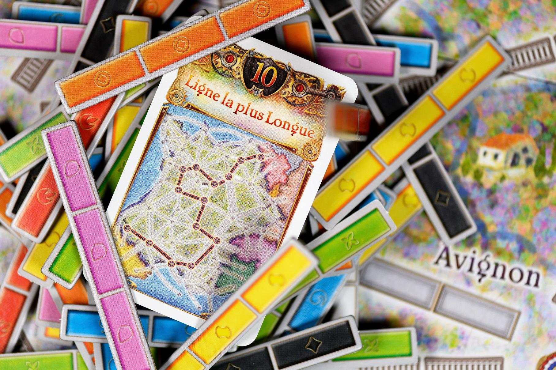 Na mapie Francji zanim zaczniemy budować trasy, musimy przydzielić odcinkom odpowiednie kolory.