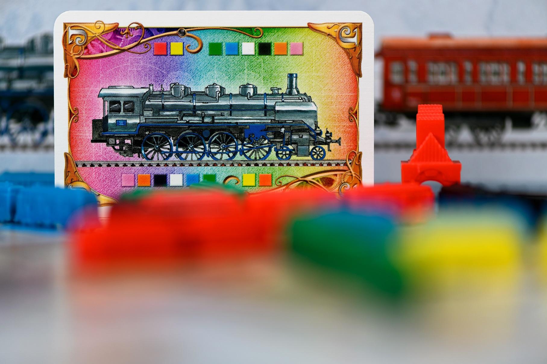 Lokomotywy mogą zastąpić dowolny kolor wagonika.
