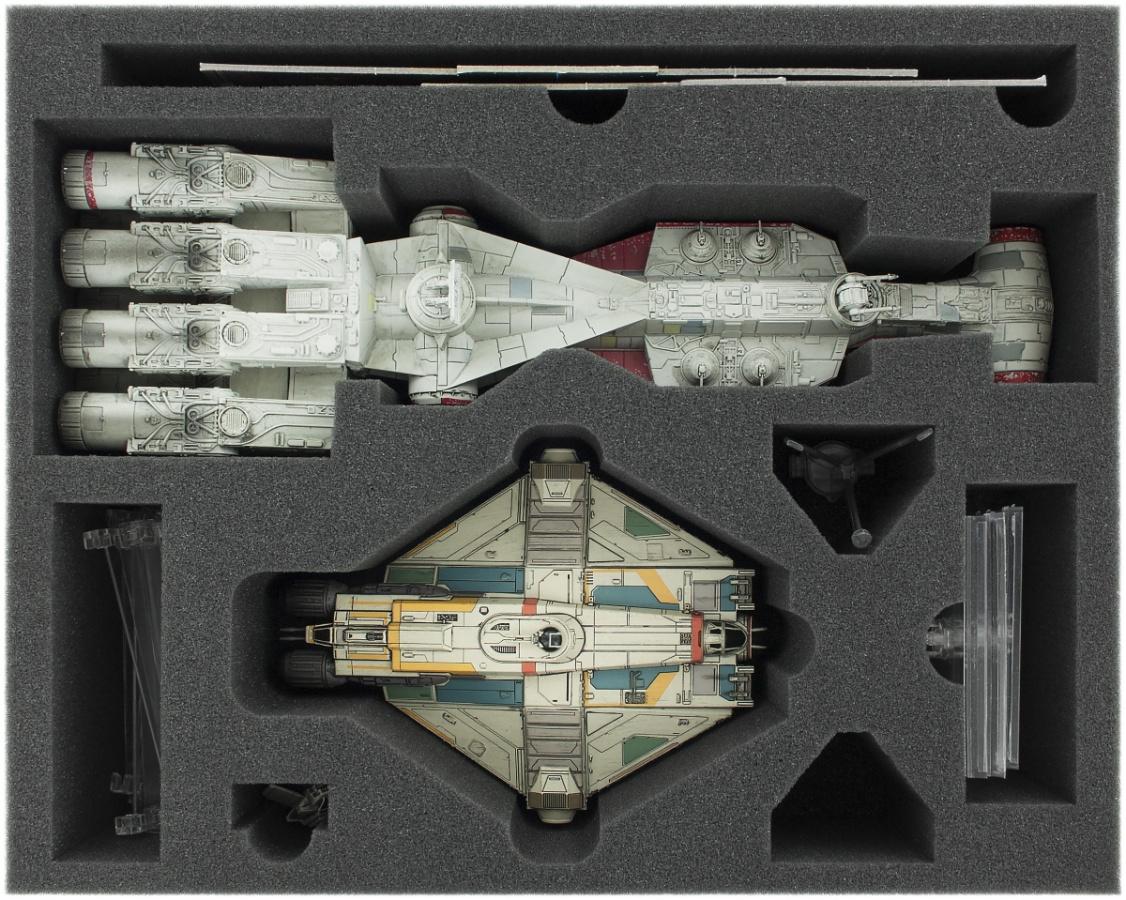 Feldherr Gąbka na X-Wing: Tantive IV (CR90) i Ghost