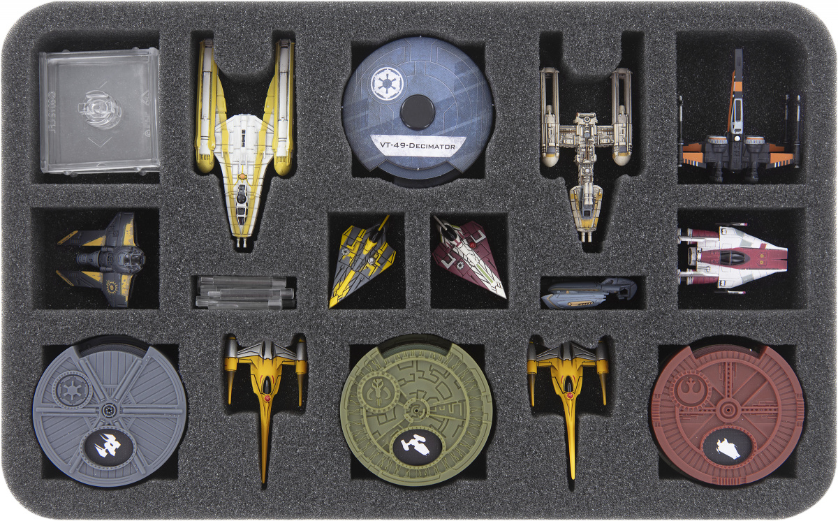 Feldherr Gąbka na X-Wing: BTL-B Y-Wing i Naboo Royal N-1 Starfighter